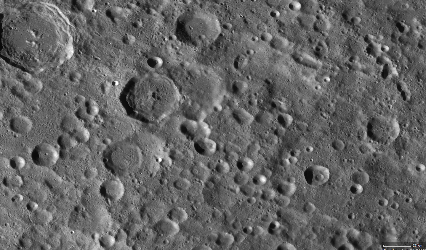 Krater auf dem Mond NASA-Bild